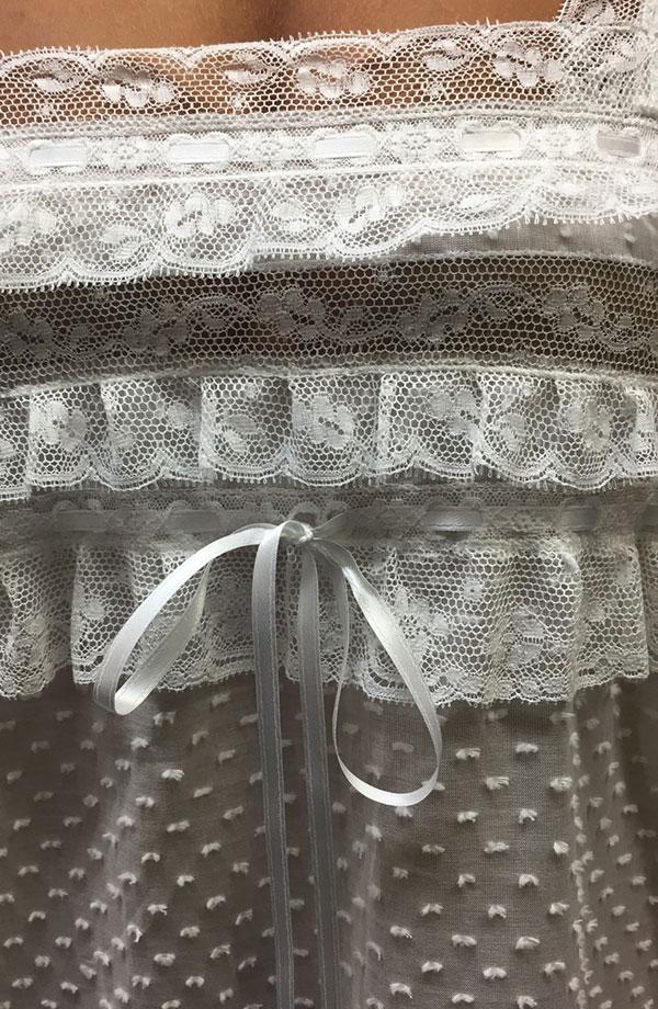 Camicia da notte con spalline in plumetis Alda